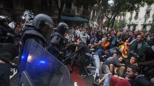 Con la proclamación de la República Independiente de Catalunya se inicia una nueva fase en el panorama político que define con suma claridad la naturaleza represiva del régimen que, más…