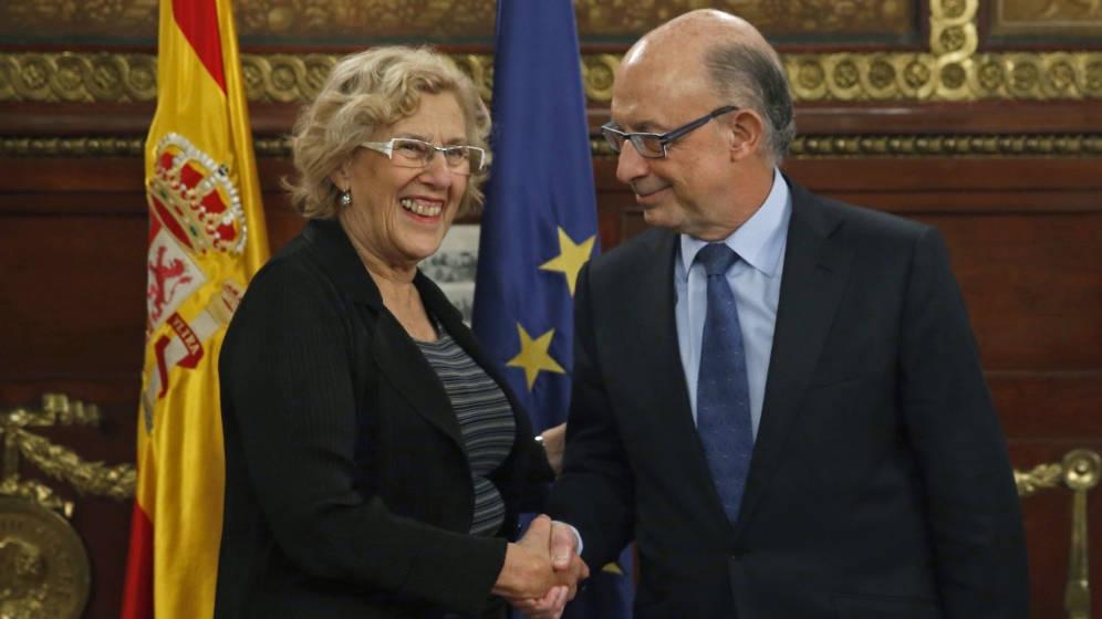 En los últimos meses hemos visto como algunos medios afines a la socialdemocracia publicaban noticias sobre la reducción de la deuda por parte del Ayuntamiento de Madrid dirigido por Manuela…
