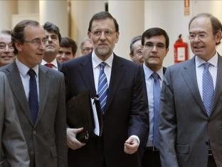 Mientras la clase trabajadora del estado español se desangra con más de seis millones de parados, la precariedad cabalga a galope tendido y los obreros son despojados de sus viviendas,…