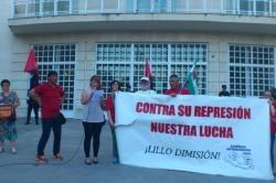 Siguiendo un plan preestablecido, la subdelegación del gobierno en Jaén pretende descabezar el movimiento estudiantil de la provincia, imponiendo multas económicas a sus líderes, cuya cuantía supera ya los 5000…