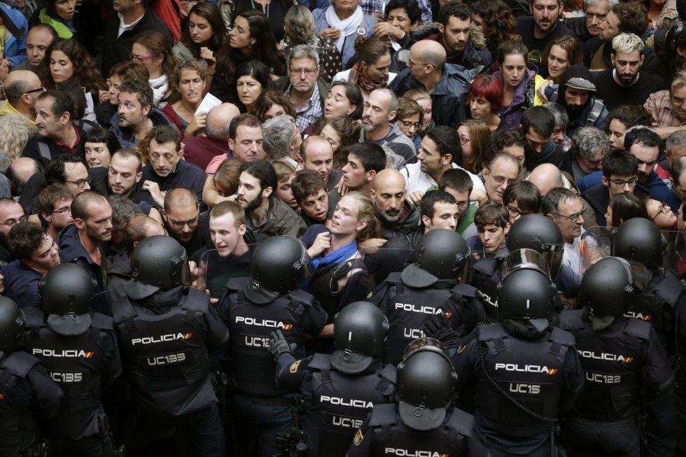 """Hace unos días, la página web del Ministerio del Interior abrió un apartado en la misma para """"denunciar los delitos de odio producidos en Cataluña"""" y """"proteger a las víctimas"""". El…"""