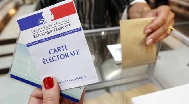El hastío de las capas populares francesas por la falta de solución a sus problemas materiales en aumento, y ante la corrupción que afecta a todos los partidos de la…