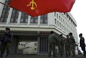 El Partido Comunista Obrero Español denuncia el oportunismo del Partido Comunista de la Federación Rusa y su órgano de expresión Pravda que se demuestra entre otros por su chovinismo al…