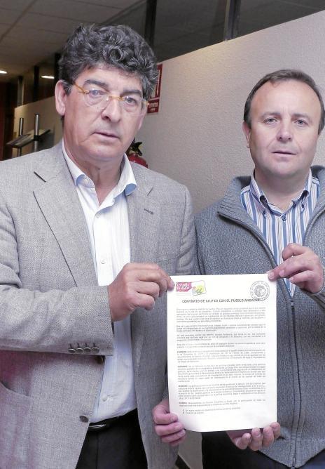 """Firmaba Diego Valderas en nombre de IU en su """"contrato con el pueblo andaluz"""" el 16 de marzo de 2012 que """"lo único que prometen los malabaristas de las mayorías…"""