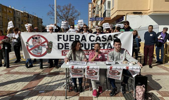 El sábado 15 de febrero se organizó en Málaga una concentración contra las casas de apuestas de la que el PCOE fue partícipe, en consonancia con los movimientos populares de…