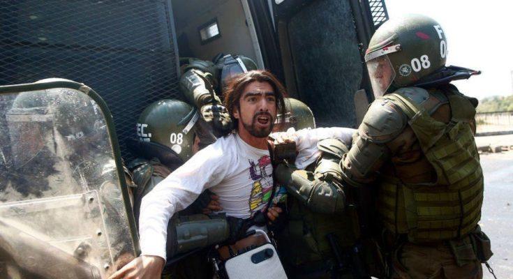 La clase obrera de Chile se ha levantado contra el implacable yugo del capital. La agudización de las contradicciones del sistema capitalista ha obligado al Estado de la burguesía a…