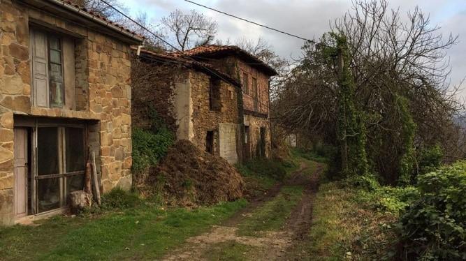 En agosto de 2019 la Voz de Asturias publicó una noticia mostrando un estudio hecho por la Consultora Estratégica de Comunicación Stratego sobre el abandono de población en las comunidades…