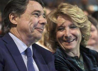 El ejecutivo de la Comunidad de Madrid malgastó 15 millones de euros a través de 345 tarjetas bancarias que emitían entidades como Bankia, Santander, Caixabank, Banco Caja España y American…