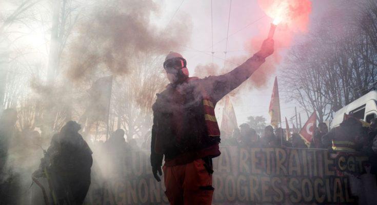 La huelga general en Francia que dio comienzo el 5 de diciembre y que se ha extendido hasta esta semana pone de relieve las contradicciones de clase entre la burguesía…