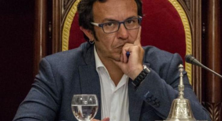 Es en estos momentos cuando los políticos del régimen dicen preocuparse especialmente por los más vulnerables, cuando sus engaños son más evidentes.Desde el ayuntamiento de Cádiz, José María González ha…