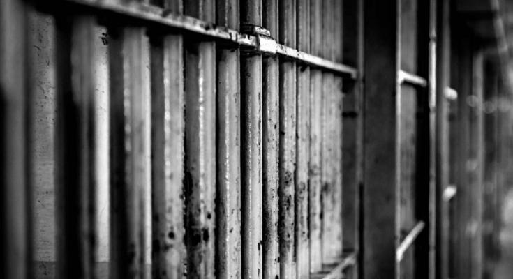 La prisión permanente revisable es una medida correcta para los que comenten graves delitos contra la clase trabajadora, siempre y cuando, y a la misma vez, también se aplique contra…