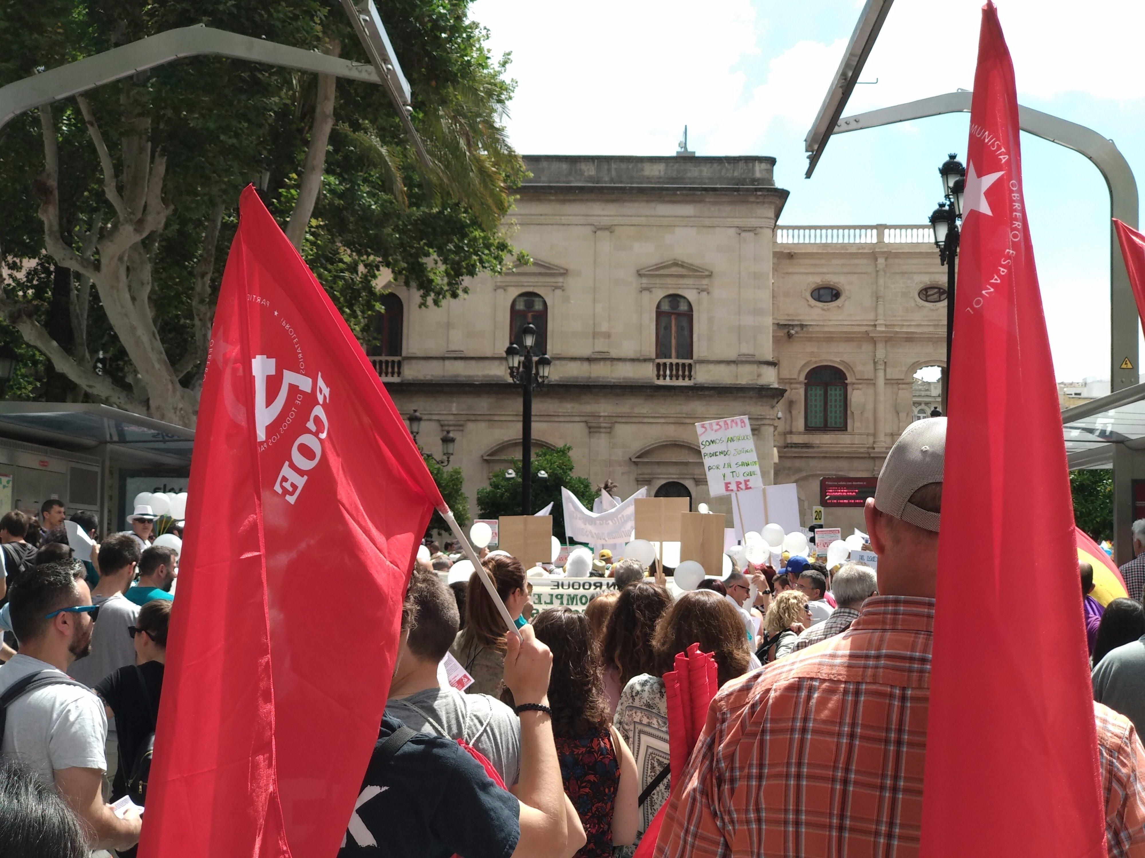 Los militantes del Partido Comunista Obrero Español se han sumado a las decenas de miles de andaluces que han gritado en Sevilla su descontento por la situación insoportable de la…