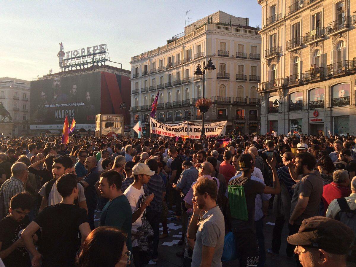 En Cataluña el estado español ha demostrado, una vez más su verdadero rostro, el rostro de la reacción y del fascismo. El gobierno fascista y corrupto del PP, apoyado por…