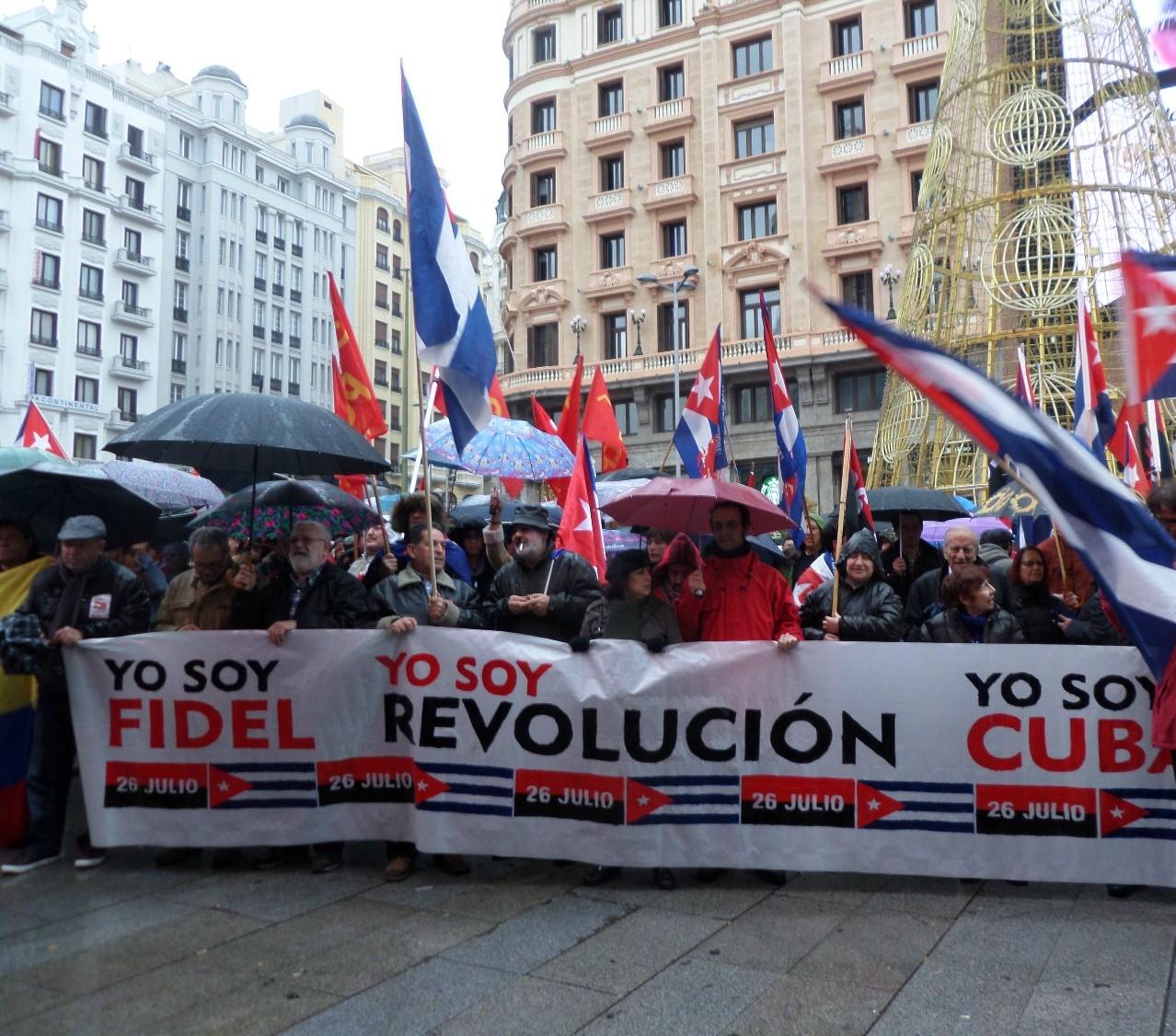 Hoy 4 de Diciembre de 2016 la militancia del Partido Comunista Obrero Español (PCOE) presentó en bloque su más profundo y sincero respeto al líder de la Revolución Cubana Fidel…
