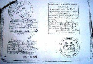 Mientras dirigía desde El Salvador los atentados de La Habana, el terrorista internacional Luis Posada Carriles realizó un viaje a Europa y Africa, en una operación de tráfico de armas.…