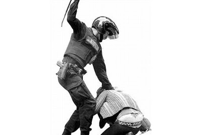 La violencia institucional en general y la represión policial en particular son una realidad más que conocidas y experimentadas por los trabajadores del Estado español. Pese a la envoltura democrática…